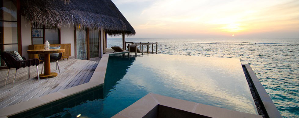 Romantic sunset water villa, Jumeirah Vittaveli