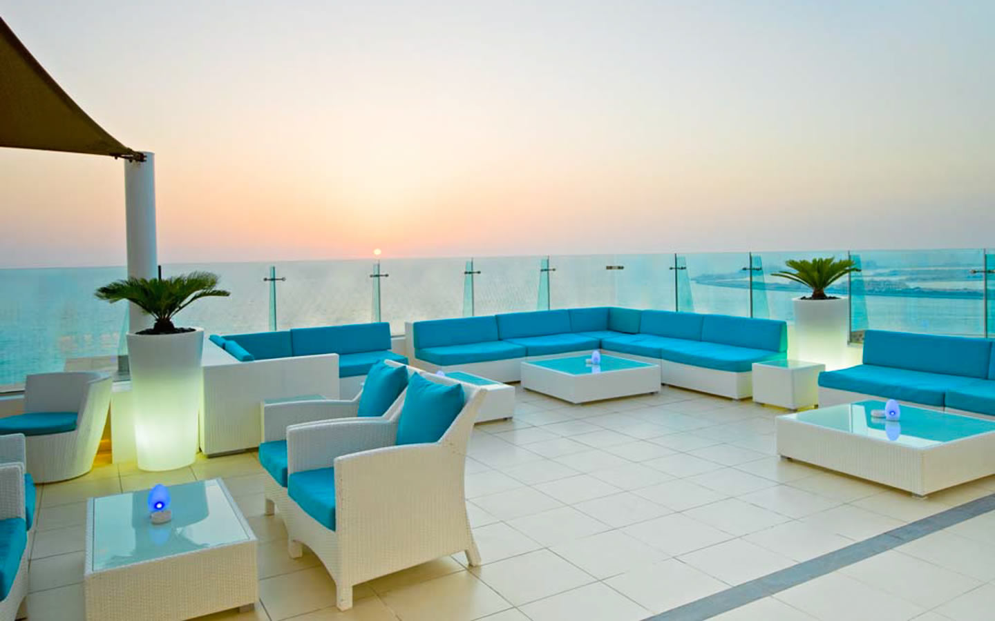 15 Best Outdoor Terraces in Dubai - PURESky - Hilton Dubai The Walk
