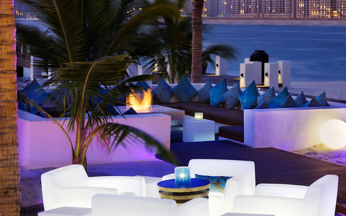 15 Best Outdoor Terraces in Dubai - The jetty Lounge, One&Only Royal Mirage